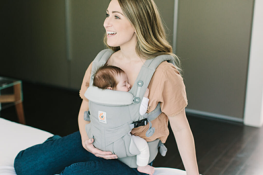 Checking Babys Position In An Ergobaby Carrier Ergobaby