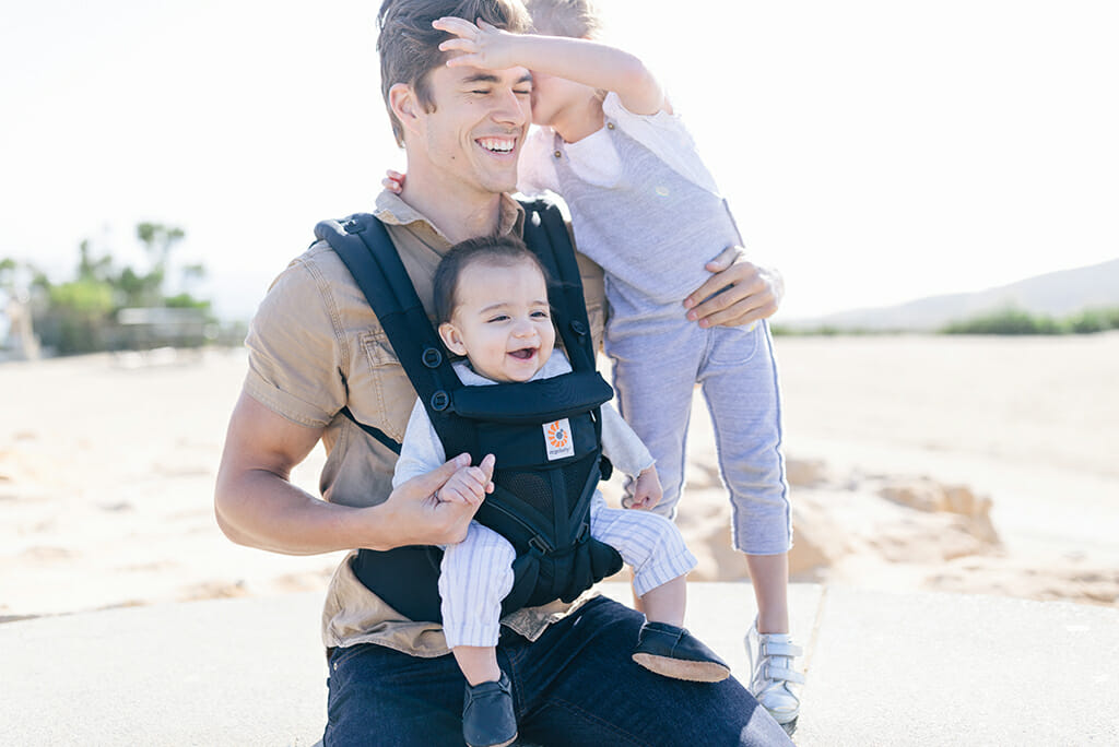 What Type of Babywearing Dad are You? | Ergobaby