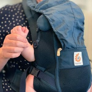 Top Tips for Flying with Baby | Amanda & Cooper | Ergobaby UK