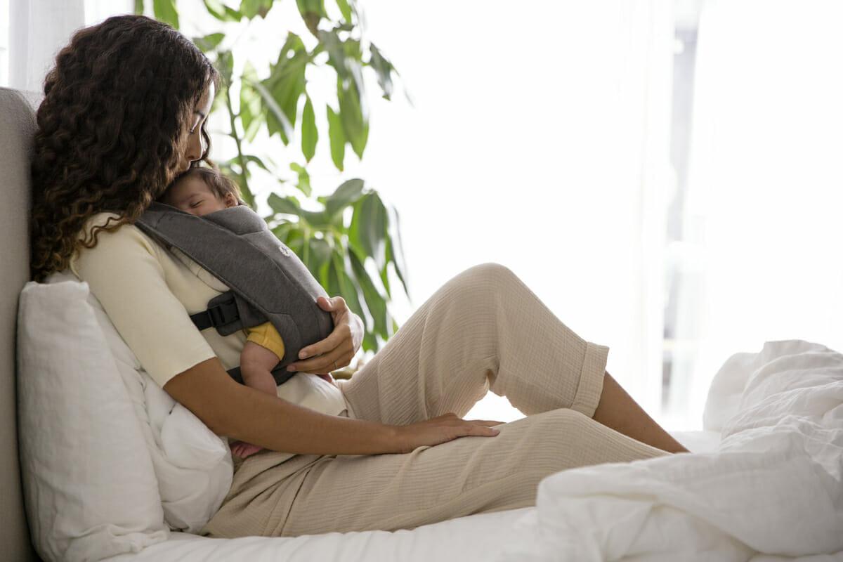 Embrace... Motherhood Starts Here | Ergobaby Embrace Newborn Carrier